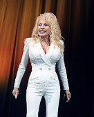 Dolly Parton Donates a Million Dollars to Coronavirus...