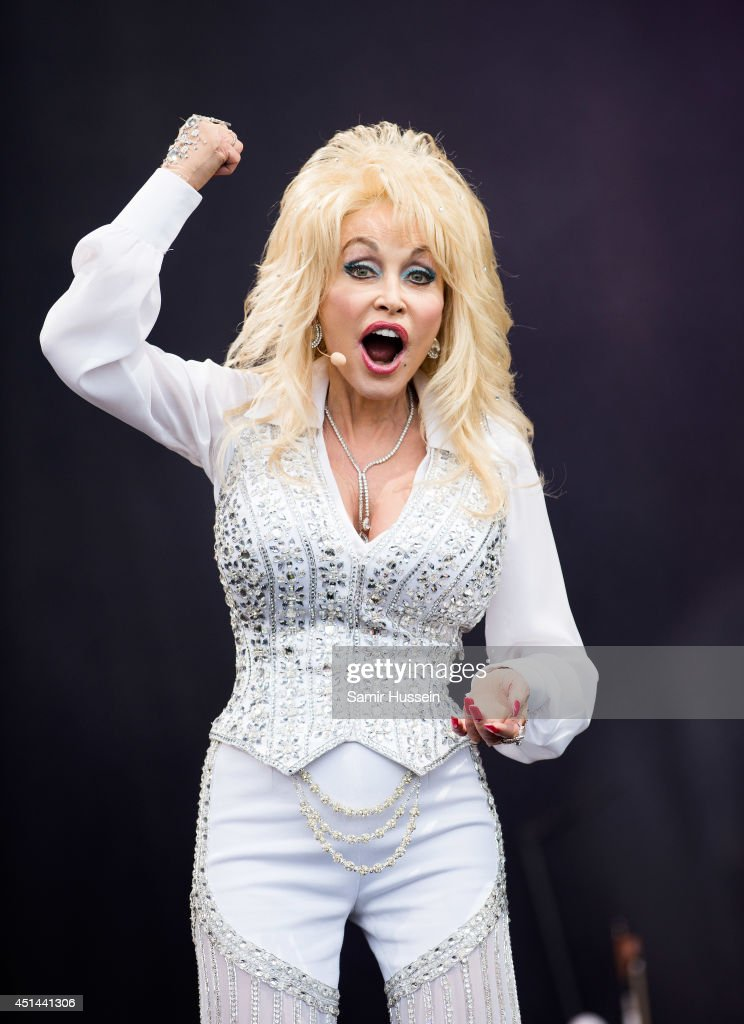 <a gi-track='captionPersonalityLinkClicked' href=/galleries/search?phrase=Dolly+Parton&family=editorial&specificpeople=220238 ng-click='$event.stopPropagation()'>Dolly Parton</a> performs on the Pyramid Stage on Day 3 of the Glastonbury Festival at Worthy Farm on June 29, 2014 in Glastonbury, England.