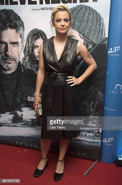 Dolores Fonzi attends the 'Nieve Negra' premiere at the Gaumont cinema on January 17 2017 in Buenos Aires Argentina
