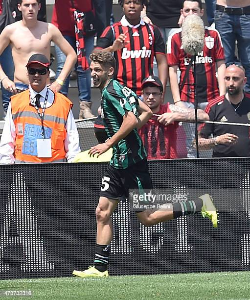 Domenico Berardi of Sassuolo celebrates after scoring the goal to 32 during the Serie A match between US Sassuolo Calcio and AC Milan on May 17 2015...