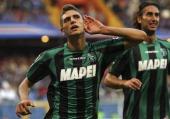 Domenico Berardi of US Sassuolo Calcio celebrates after scoring their fourth goal during the Serie A match between UC Sampdoria v US Sassuolo Calcio...