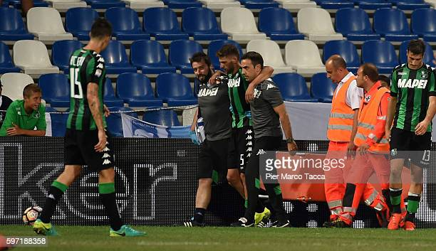 Domenico Berardi of US Sassuolo leaves the field injured during the Serie A match between US Sassuolo and Pescara Calcio at Mapei Stadium Citta' del...