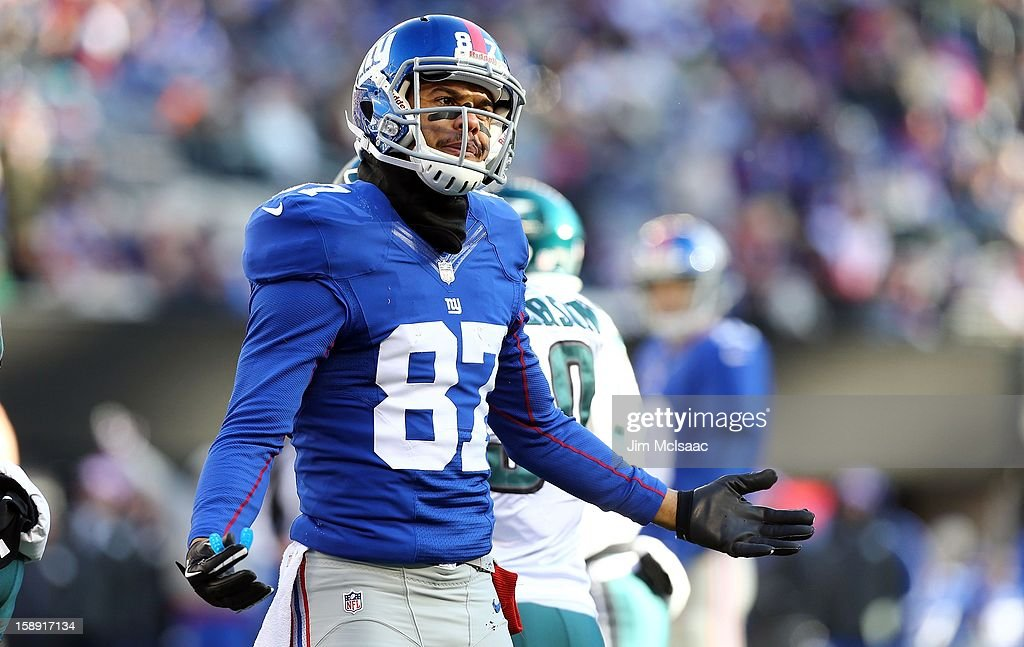 Domenik Hixon #87 of the New York Giants in action against the Philadelphia Eagles at MetLife Stadium on December 30, 2012 in East Rutherford, New Jersey. The Giants defeated the Eagles 42-7.