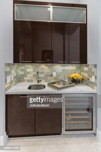 Interno Bar In Una Casa Foto stock | Getty Images
