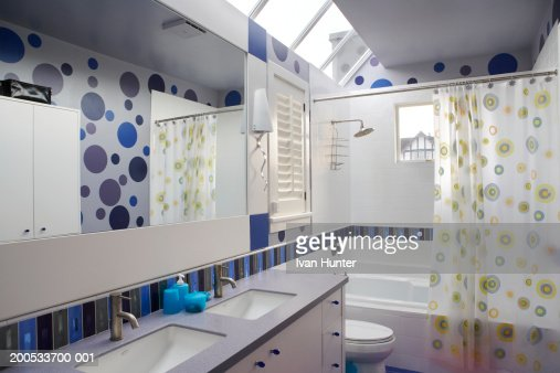 Domestic bathroom : Stock Photo