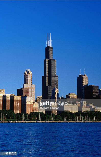 Dominating the Chicago city skyline is the 110 storey Sears Tower