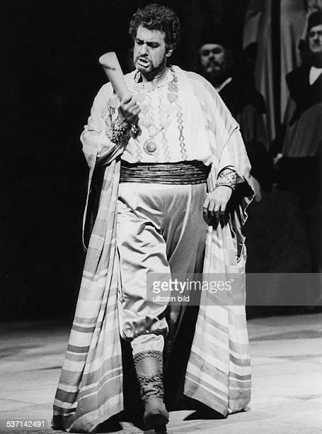 Domingo Plácido Opernsaenger Dirigent Spanien Ganzkoerperaufnahme als 'Othello' 1986