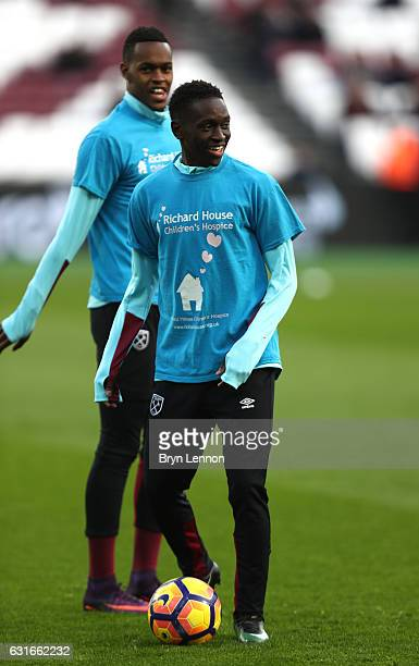 Domingos Quina of West Ham United warms up prior to the Premier League match between West Ham United and Crystal Palace at London Stadium on January...