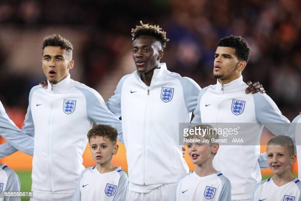 Dominic CalvertLewin of England U21 Tammy Abraham of England U21 and Dominic Solanke of England U21 sing the national anthem during the UEFA European...