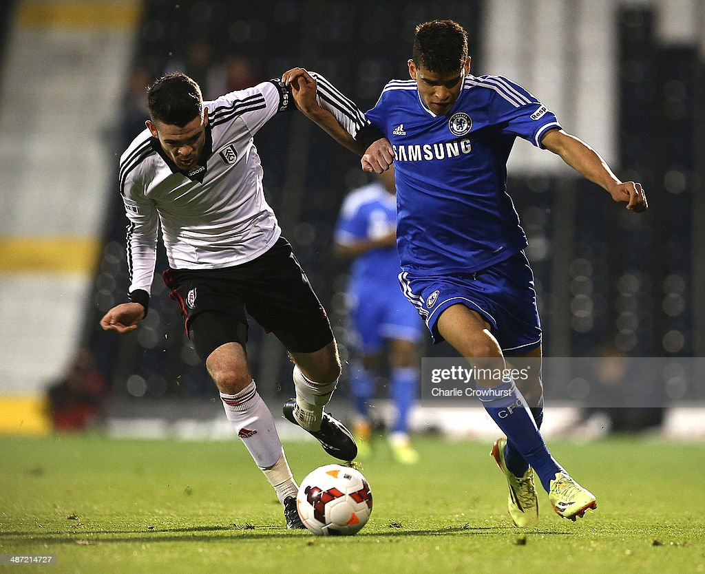 <a gi-track='captionPersonalityLinkClicked' href=/galleries/search?phrase=Dominic+Solanke&family=editorial&specificpeople=10651711 ng-click='$event.stopPropagation()'>Dominic Solanke</a> of Chelsea tries to get past Liam Donnelly of Fulham during the FA Youth Cup Final: First Leg match between Fulham and Chelsea at Craven Cottage on April 28, 2014 in London, England.