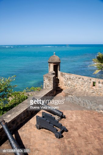 Dominican Republic, Puerto Plata, Fort San Felipe, canons on fortress rooftop, elevated view : Stock Photo
