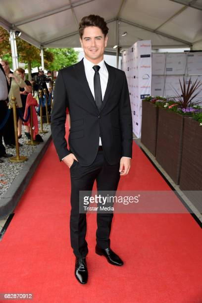 Dominik Bruntner attends the 'Goldene Sonne 2017' Award by SonnenklarTV on May 13 2017 in Kalkar Germany