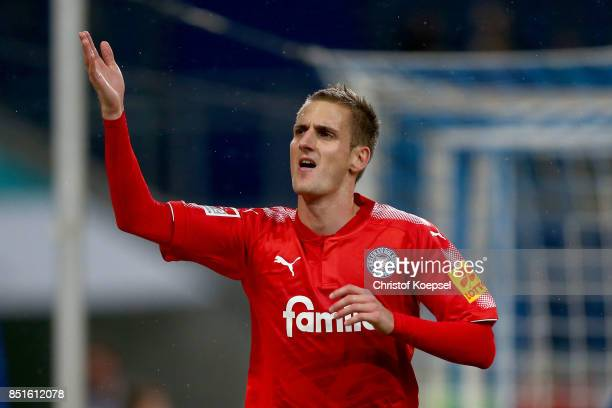 Dominik Drexler of Kiel celebrates the second goal during the Second Bundesliga match between MSV Duisburg and Holstein Kiel at...