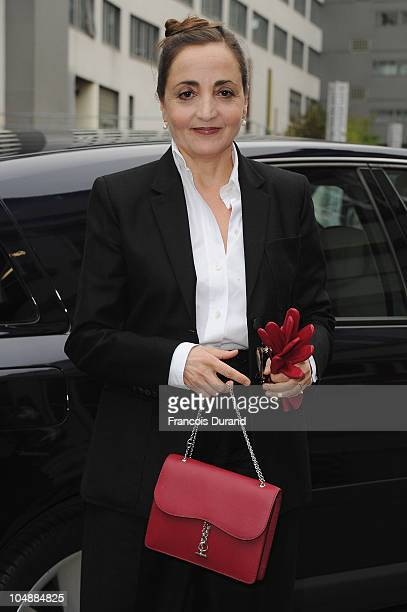 Dominique Blanc arrives for the Louis Vuitton Ready to Wear Spring/Summer 2011 show during Paris Fashion Week at Cour Carree du Louvre on October 6...