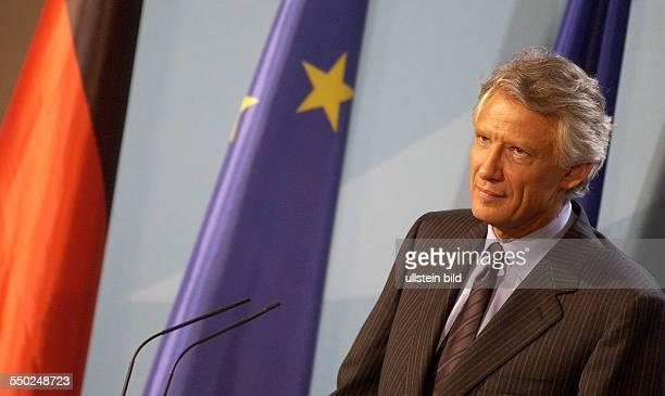 Dominique de Villepin während einer Pressekonferenz anlässlich seines Besuches in Berlin