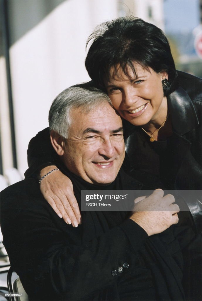 <a gi-track='captionPersonalityLinkClicked' href=/galleries/search?phrase=Dominique+Strauss-Kahn&family=editorial&specificpeople=227268 ng-click='$event.stopPropagation()'>Dominique Strauss-Kahn</a> And <a gi-track='captionPersonalityLinkClicked' href=/galleries/search?phrase=Anne+Sinclair&family=editorial&specificpeople=875174 ng-click='$event.stopPropagation()'>Anne Sinclair</a>. Dominique STRAUSS-KAHN retrouve son épouse Anne SINCLAIR à la sortie de son bureau de l''Assemblée nationale à