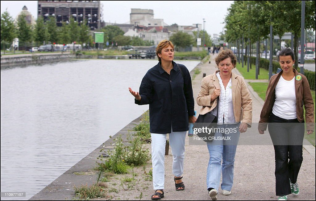 Dominique Voynet walks around the Canal de Roubaix, with Marie-Christine Blandin, Senator 'Verts' and Cecile Duflot, national spokesman of the 'Verts' in Lille, France on September 02nd, 2006.