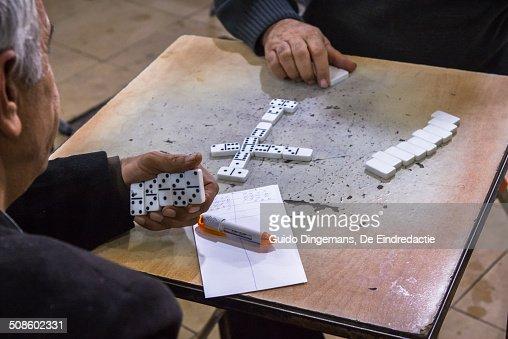 Domino in teahouse (Sulaymaniyah, Iraq) : Foto de stock