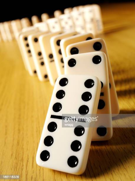 Domino fallen in der Domino-Effekt