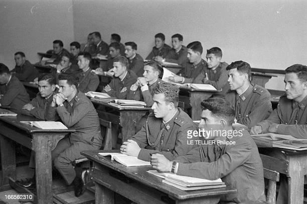 Don Juan Carlos Of Spain In The Army En Espagne à l'école militaire d'aviation de San Javier près d'Alicante le prince Juan CARLOS D' ESPAGNE assis...