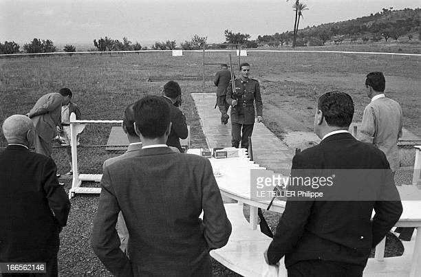 Don Juan Carlos Of Spain In The Army En Espagne sur un champ de tir le prince Juan CARLOS D' ESPAGNE en uniforme militaire de l'école d'aviation de...