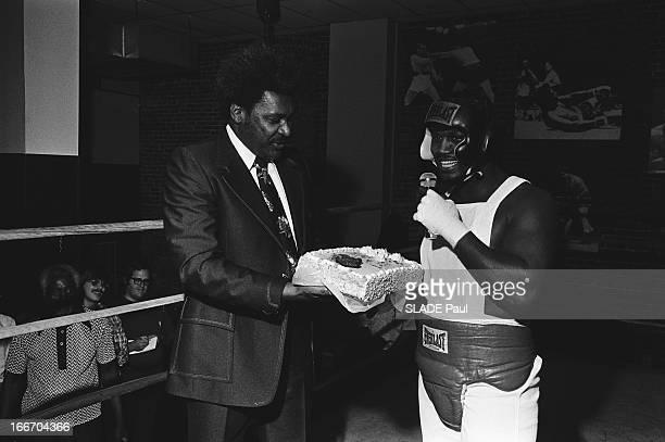 Don King In Philadelphia In The Drill Hall Of Joe Frazier Don KING l'organisateur du match Muhammad Ali Joe Frazier à Manille le 1er octobre 1975 à...