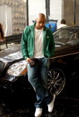 Donald Faison on the set of the video for Chariot the title track from DeGraw's platinumselling debut album