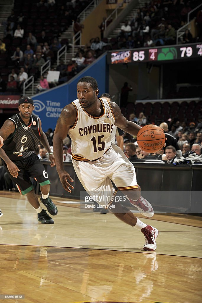 <a gi-track='captionPersonalityLinkClicked' href=/galleries/search?phrase=Donald+Sloan&family=editorial&specificpeople=4185817 ng-click='$event.stopPropagation()'>Donald Sloan</a> #15 of the Cleveland Cavaliers drives to the hoop against the Montepaschi Siena at The Quicken Loans Arena on October 8, 2012 in Cleveland, Ohio.