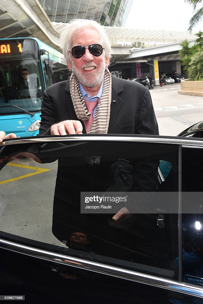 donald-sutherland-arrives-at-nice-airport-during-the-annual-69th-picture-id529627588