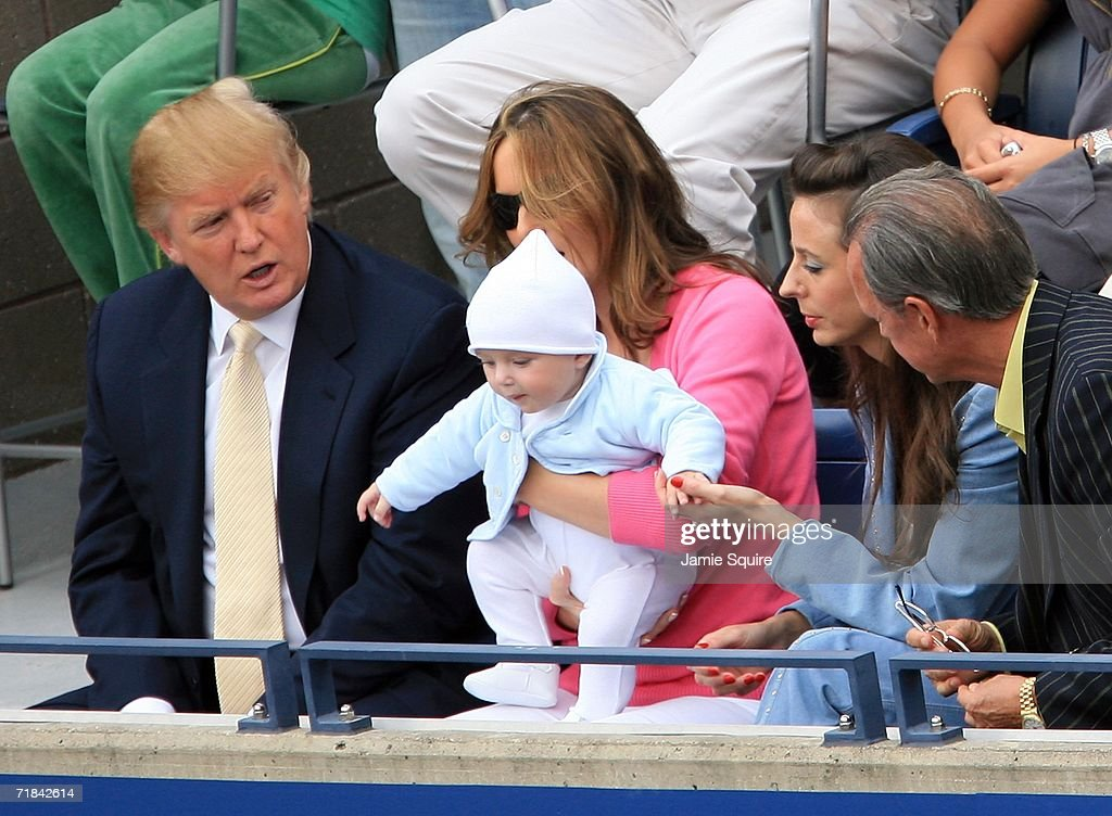 us open day 14 foto e immagini getty images donald trump baby son barron and wife melania trump watch the men s final between roger