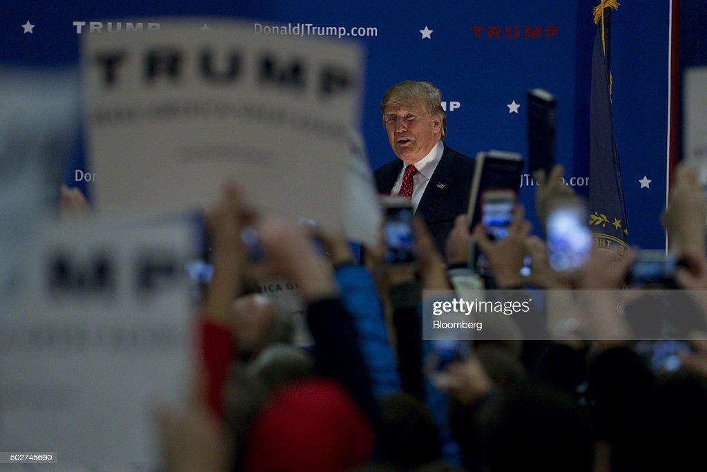 Republican Presidential Candidate Donald Trump Campaign ...