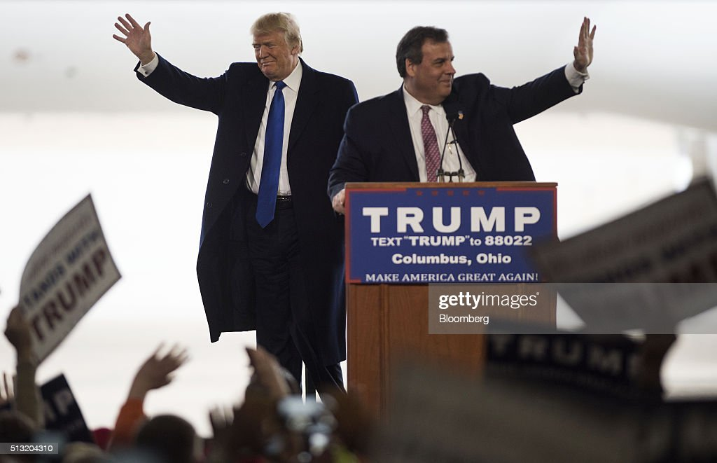 Of new jersey governor chris christie right during a rally in - Presidential Candidate Donald Trump Holds Super Tuesday