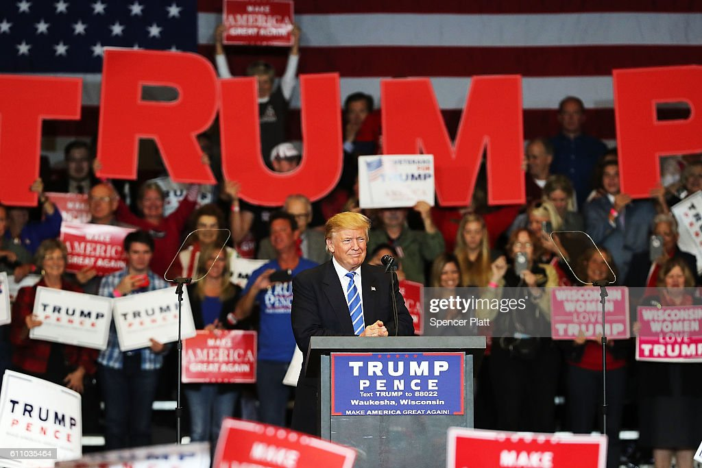 Donald Trump speaks at a rally on September 28, 2016 in Waukesha, Wisconsin. Trump has been campaigning today in Iowa, Wisconsin and Chicago.
