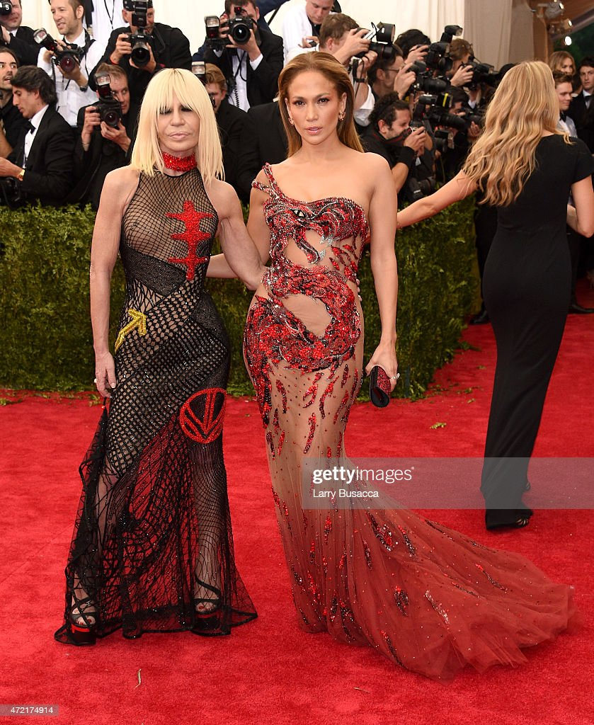 <a gi-track='captionPersonalityLinkClicked' href=/galleries/search?phrase=Donatella+Versace&family=editorial&specificpeople=202209 ng-click='$event.stopPropagation()'>Donatella Versace</a> and <a gi-track='captionPersonalityLinkClicked' href=/galleries/search?phrase=Jennifer+Lopez&family=editorial&specificpeople=201784 ng-click='$event.stopPropagation()'>Jennifer Lopez</a> attend the 'China: Through The Looking Glass' Costume Institute Benefit Gala at the Metropolitan Museum of Art on May 4, 2015 in New York City.