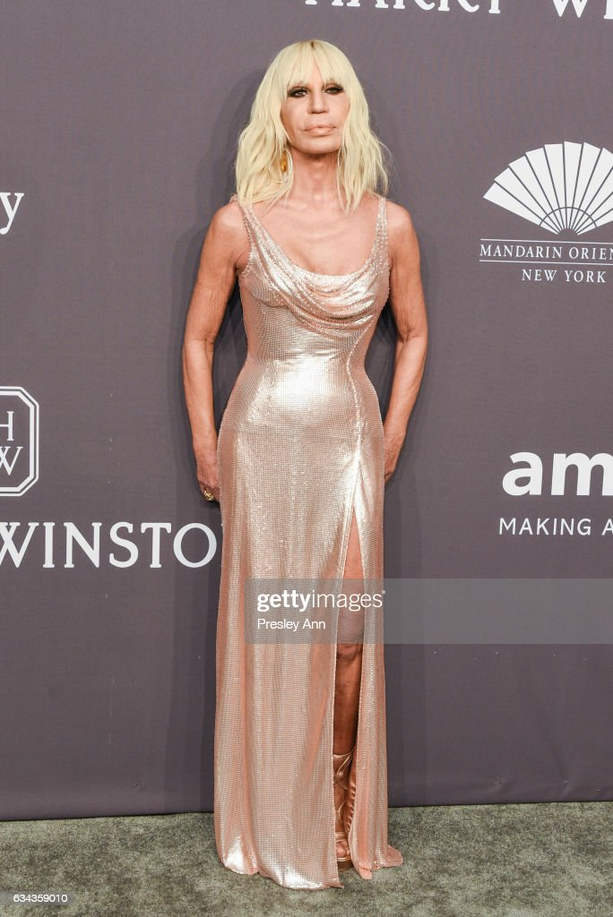 donatella-versace-attends-19th-annual-amfar-new-york-gala-arrivals-at-picture-id634359010