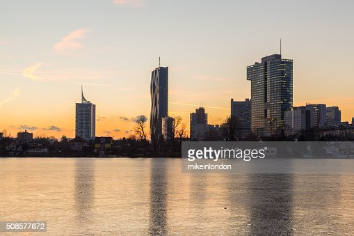 Donaucity in Wien im Winter : Stock-Foto