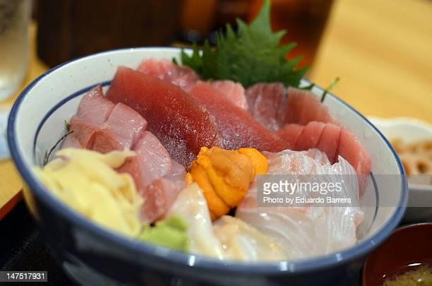 (Sashimi) Donburi in bowl