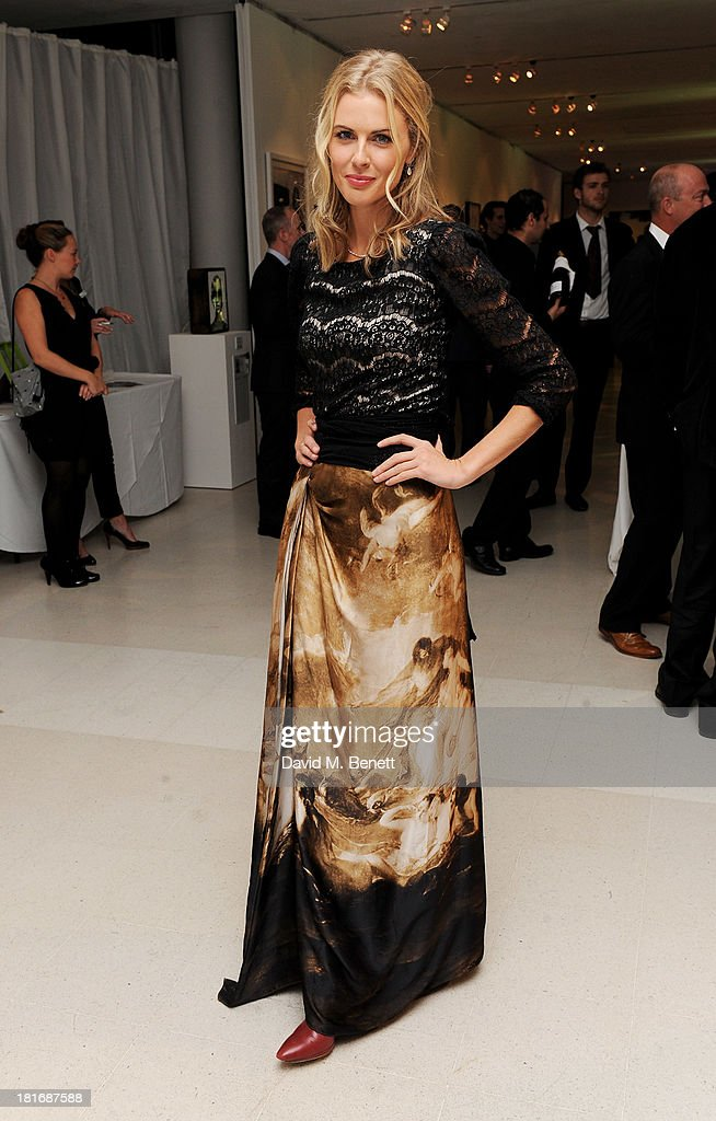 <a gi-track='captionPersonalityLinkClicked' href=/galleries/search?phrase=Donna+Air&family=editorial&specificpeople=209184 ng-click='$event.stopPropagation()'>Donna Air</a> attends the Macmillan De'Longhi Art Auction, raising money for Macmillan Cancer Support, at Royal College of Art on September 23, 2013 in London, England