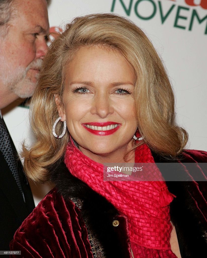 Donna Dixon during Christmas with The Kranks New York City Premiere - Outside Arrivals at Radio City Music Hall in New York City, New York, United States.