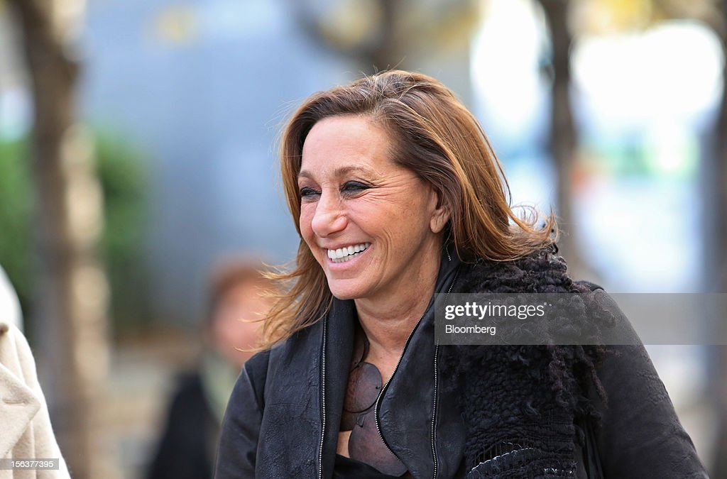 <a gi-track='captionPersonalityLinkClicked' href=/galleries/search?phrase=Donna+Karan+-+Estilista&family=editorial&specificpeople=4206478 ng-click='$event.stopPropagation()'>Donna Karan</a>, chief designer of <a gi-track='captionPersonalityLinkClicked' href=/galleries/search?phrase=Donna+Karan+-+Estilista&family=editorial&specificpeople=4206478 ng-click='$event.stopPropagation()'>Donna Karan</a> International Inc., reacts during a Bloomberg Television interview on the EDF Energy London Eye in London, U.K., on Wednesday, Nov. 14, 2012. Retail sales in the U.S. fell in October for the first time in four months, influenced by the effects of superstorm Sandy, which hurt receipts for some and helped for others. Photographer: Chris Ratcliffe/Bloomberg via Getty Images