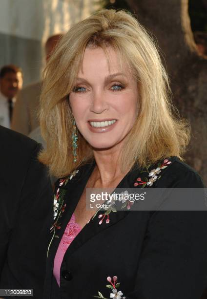 Donna Mills of 'Knots Landing Reunion Together Again'