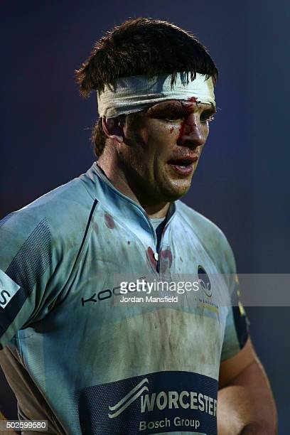 Donncha O'Callaghan of Worcester looks on after the final whistle during the Aviva Premiership match between Bath Rugby and Worcester Warriors at the...