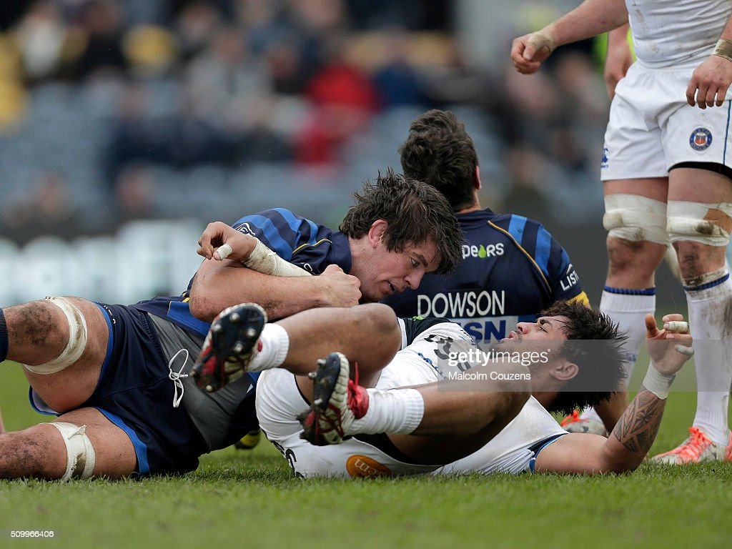 Donncha O'callahan of Worcester competes with Amananki Mafi of Bath during the Aviva Premiership match between Worcester Warriors and Bath Rugby at Sixways Stadium on February 13th, in Worcester, England