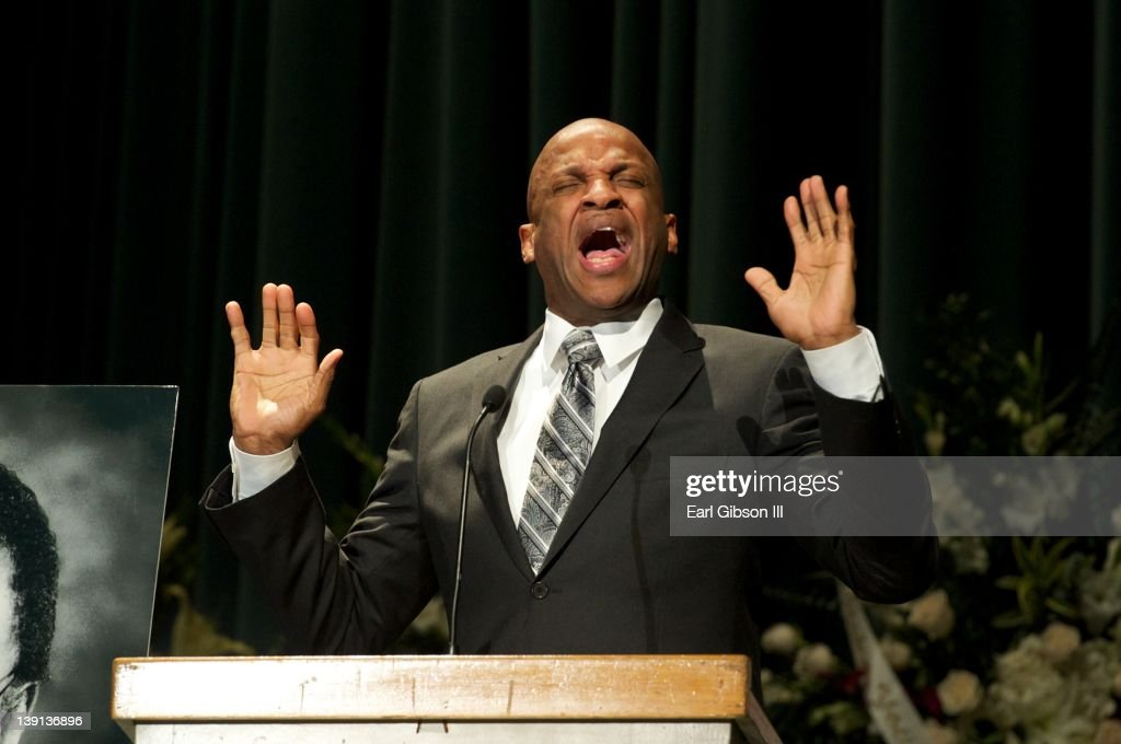 <a gi-track='captionPersonalityLinkClicked' href=/galleries/search?phrase=Donnie+McClurkin&family=editorial&specificpeople=227367 ng-click='$event.stopPropagation()'>Donnie McClurkin</a> sings at the memorial service for Don Cornelius of 'Soul Train' on February 16, 2012 in Los Angeles, California.