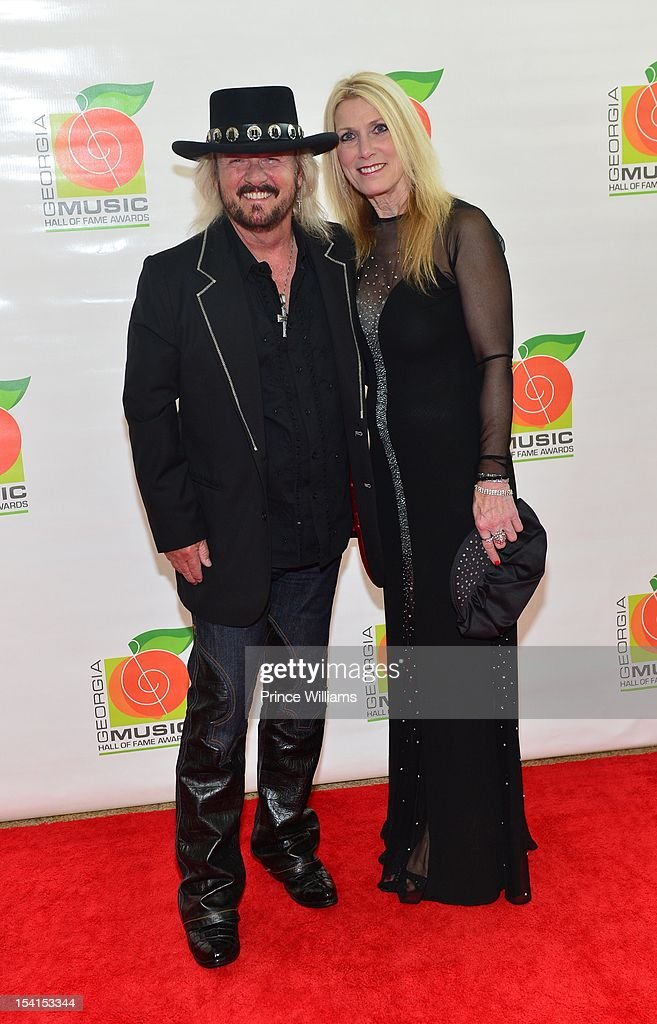 <a gi-track='captionPersonalityLinkClicked' href=/galleries/search?phrase=Donnie+Van+Zant&family=editorial&specificpeople=226742 ng-click='$event.stopPropagation()'>Donnie Van Zant</a> and Ashley Van Zant attend the Georgia Music Hall of Fame awards at the Cobb Energy Performing Arts Center on October 14, 2012 in Atlanta, Georgia.