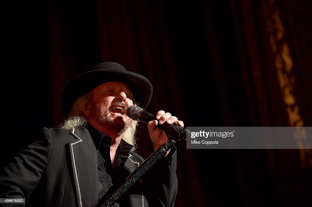 <a gi-track='captionPersonalityLinkClicked' href=/galleries/search?phrase=Donnie+Van+Zant&family=editorial&specificpeople=226742 ng-click='$event.stopPropagation()'>Donnie Van Zant</a> performs onstage at One More For The Fans! - Celebrating the Songs & Music of Lynyrd Skynyrd at The Fox Theatre on November 12, 2014 in Atlanta, Georgia.