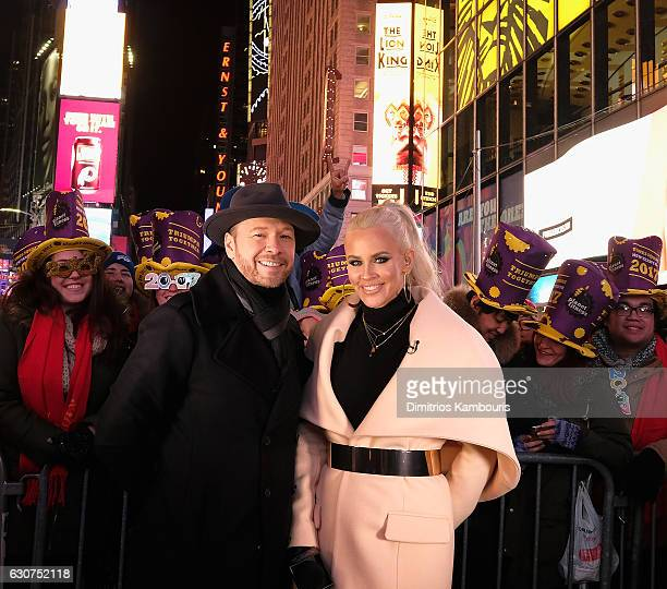Donnie Wahlberg and Jenny McCarthy attend New Year's Eve 2017 in Times Square n December 31 2016 in New York City