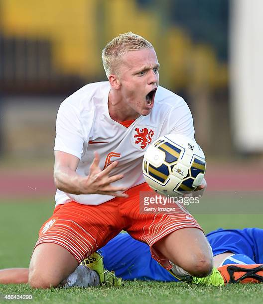 Donny Van De Beek of Netherlands U19 in action during the international friendly match between Italy U19 and Netherlands U19 on September 3 2015 in...