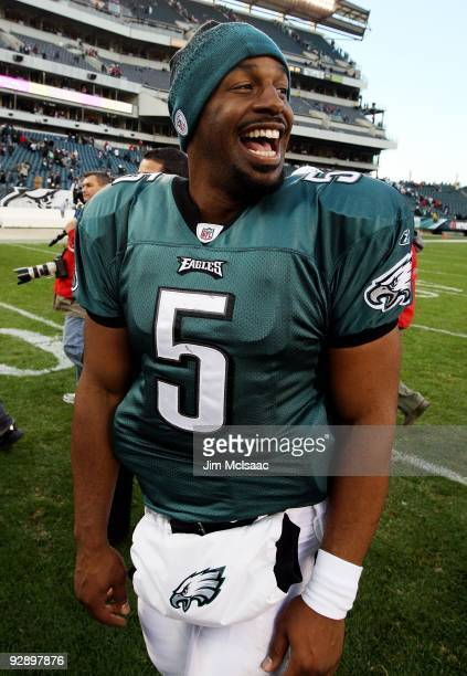 Donovan McNabb of the Philadelphia Eagles looks on after plating against the New York Giants on November 1 2009 at Lincoln Financial Field in...