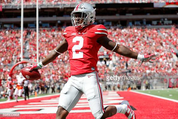 Dontre Wilson of the Ohio State Buckeyes celebrates after scoring a touchdown during the first quarter of the game against the Bowling Green Falcons...
